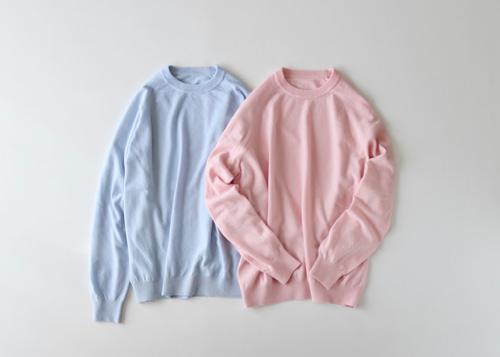 Fluffy sleeve raglan sweater