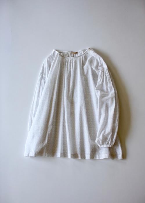 ARTS&SCIENCE Shoulder button gather blouse short Shoka: 通販