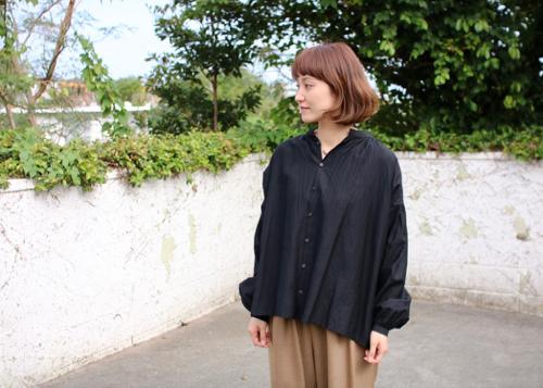gather blouse - black -