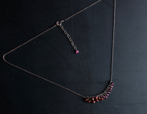 Turtle Forest  garnet ネックレス