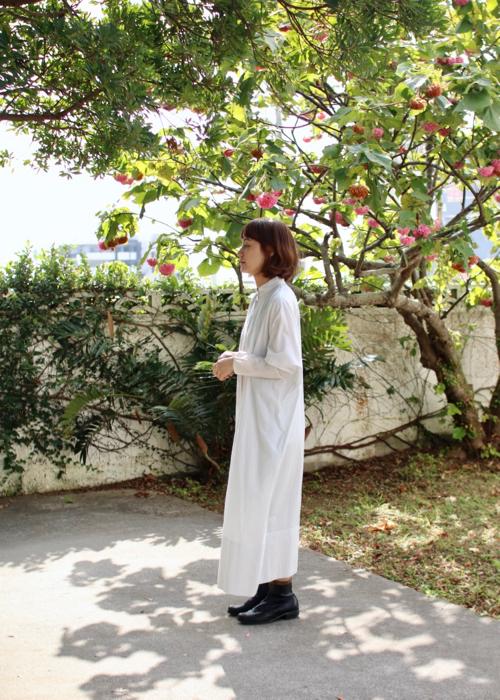 stand collar dress   - smoke white -