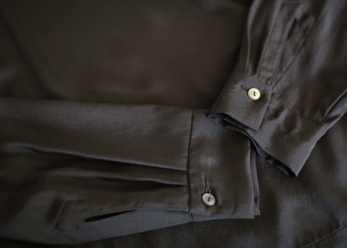 ARTS&SCIENCE Shoulder botton big slip-on blouse Shoka: 通販