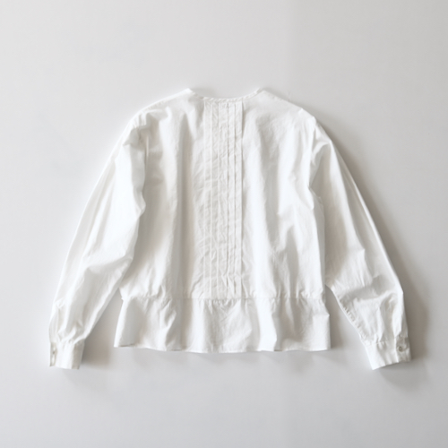 ARTS&SCIENCE Back tuck blouse  - off white -