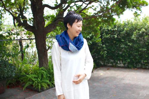 LIVING BLUE インディゴ シボリ染 カンタ ストール  インド インディゴ 藍 CALICO カディ Shoka: MAKU TEXILES 小林史恵