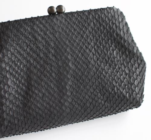 ヨーガン レール 蛇革のがま口財布
