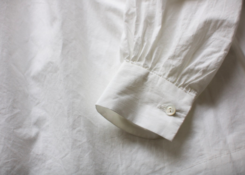 ARTS&SCIENCEFront pintuck blouse