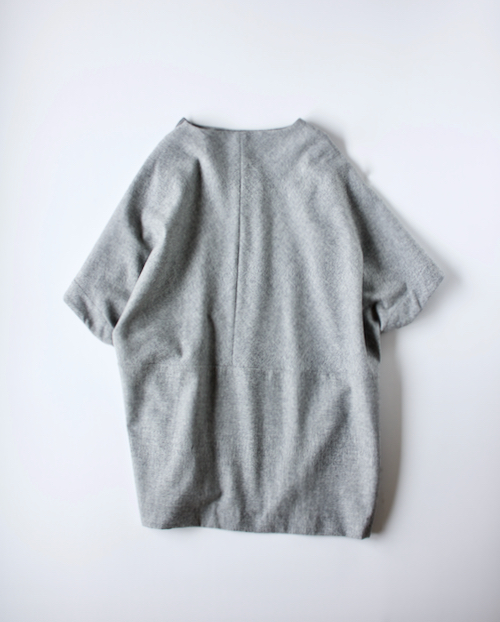 ARTS&SCIENCE  Poncho tunic 2 top gray