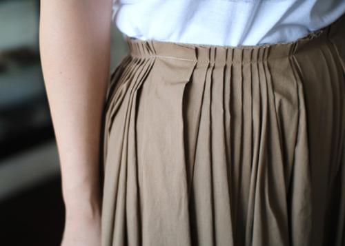 random tuck skirt - 2 color -